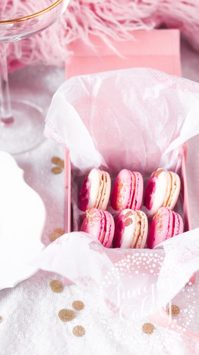 Small macaron gift box by Juniper Cakery
