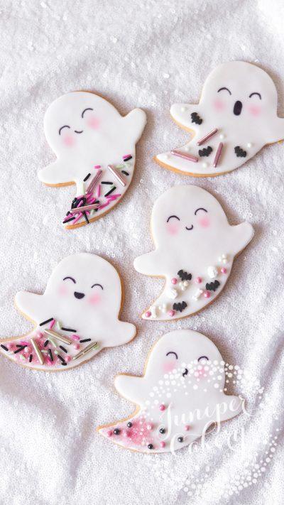 Sweet ghost cookies for Halloween by Juniper Cakery