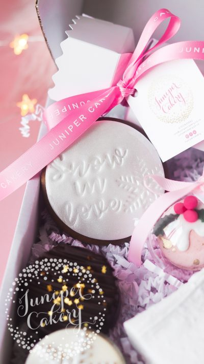 Couples hamper for UK delivery by Juniper Cakery