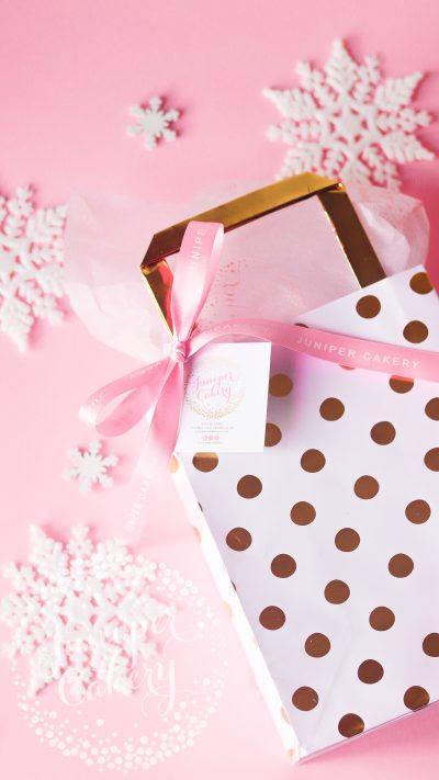Lucky Dip Christmas treat bag y Juniper Cakery